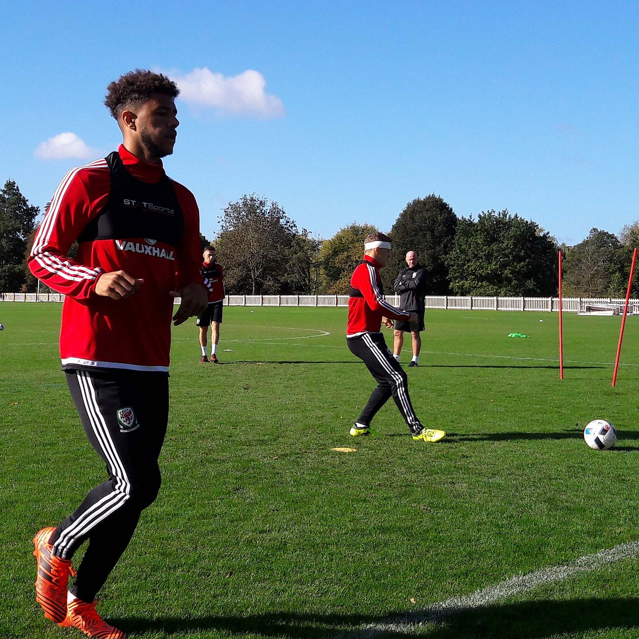 Tyler Roberts insists Wales can qualify